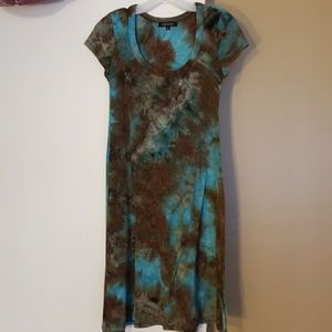 Brown and aqua tie dye capped sleeve mid dress.